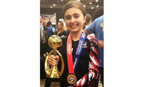 Sarah Munjed '24 and her volleyball team takes gold!